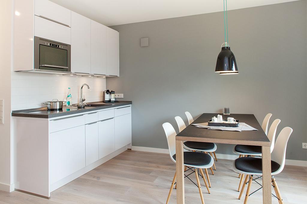 bezaubernder urlaub in einer ruhigen ferienwohnung auf sylt. Black Bedroom Furniture Sets. Home Design Ideas